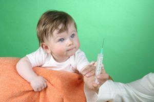 прививка маленькому ребёнку