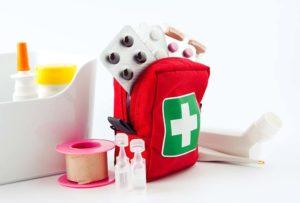 лекарства в аптечке