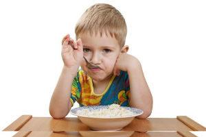 мальчик не хочет есть