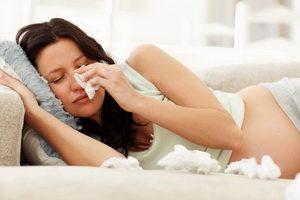 беременная женщина болеет